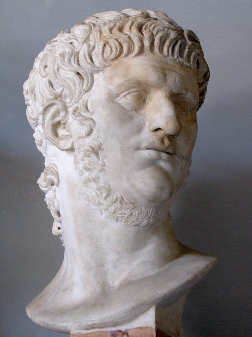 Busto do imperador Nero no Museu Capitolino em Roma.