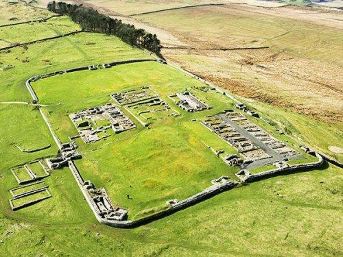 Ruínas do forte romano de Housesteads, na Muralha de Adriano.