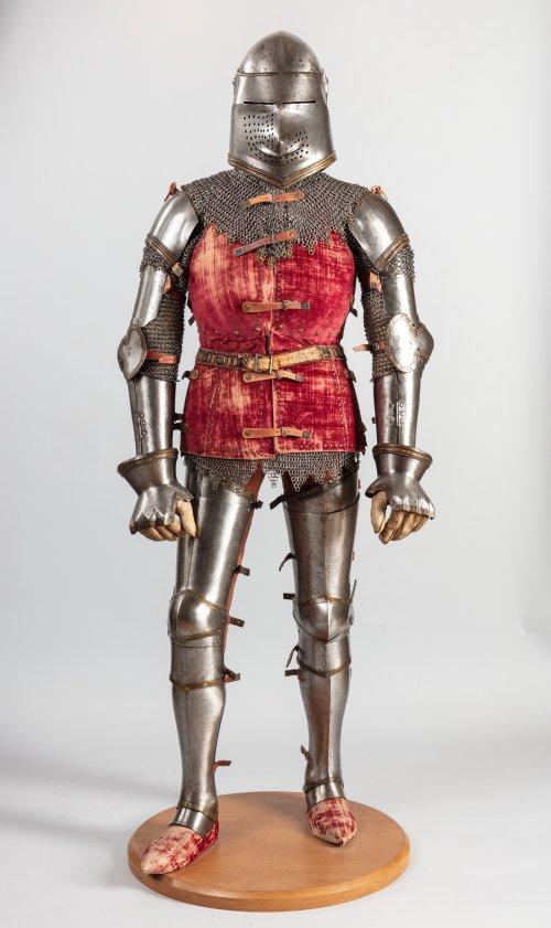 Armadura italiana de cerca de 1400-1450. MET. N° 29.154.3