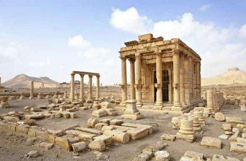 O templo de Baalshamin em Palmira, Síria. Esse templo foi destruído pelo Estado Islâmico em 2015.