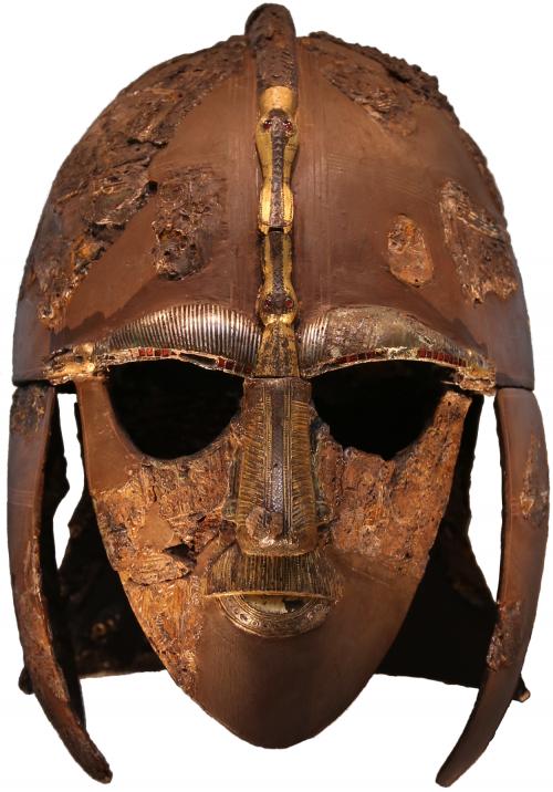 Elmo da necrópole de Sutton Hoo. Século 6 e 7. Museu Britânico.