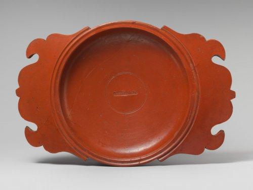 Travessa de cerâmica feita com terra sigillata. Século 2 d.C. MET. N° 17.194.867