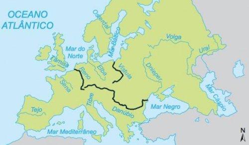 Os rios citados no parágrafo acima. O Reno e o Danúbio foram os principais demarcadores do império romano no norte, embora em alguns momentos da História os romanos tenham chegado até o Elba.