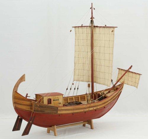 Foto de modelo de navio mercantil romano do século 1 a.C. vendido pelo site alemão modelships.de