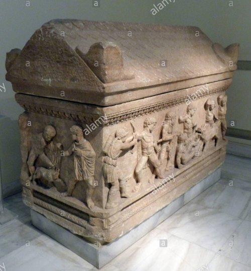 Sarcófago ático de 150-170 d.C. Museu Arqueólogo Nacional de Atenas.