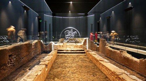 O Mithraeum (Templo de Mitra) de Londres foi descoberto em 1954 durante as reconstruções após a Blitz.