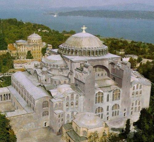 A Basílica de Santa Sofia, construída no reinado de Justiniano.