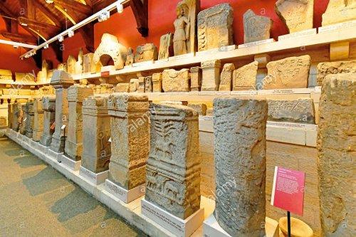 Achados arqueológicos da Muralha de Adriano no Museu de Chester.