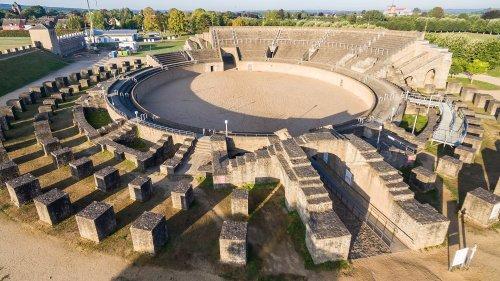 Anfiteatro de Colonia Ulpia Traiana, Xanten, Alemanha.