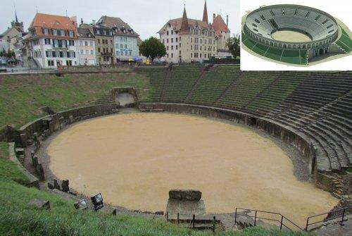 Anfiteatro de Avenches, Suíça. No detalhe, uma reconstrução da sua forma original.